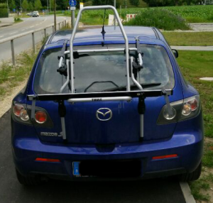 Mazda 3 mit Thule ClipOn High 9106 ohne Rad